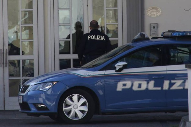 L'albergo dove è stata trovata morta una ragazza di 30 anni  (Gianluca Moggi/New Press Photo)