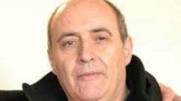 Massimo Vanni aveva 58 anni. Era il tecnico di laboratorio del liceo scientifico 'Barsanti e Matteucci'