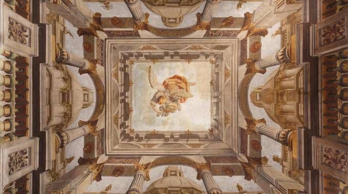 I  saloni affrescati di Palazzo Crivelli