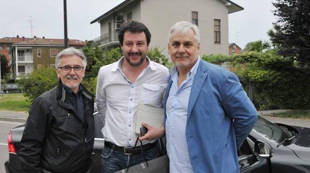 Rodolfo Corazzo (a destra) insieme al leader leghista Matteo Salvini e a Giancarlo Ottolini, referente locale del Carroccio