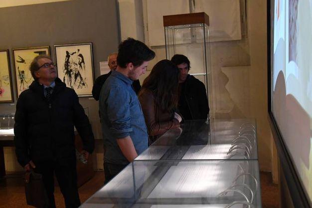 Nella seconda stanza invece, ci sono 10 litografie incise su lastre d'oro e stampate su pelle di pecora (Foto Schicchi)