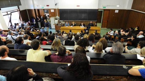 Un'aula dell'università di Bologna. Novità sulle contribuzioni studentesche (Schicchi)