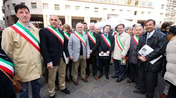 Gianmario Fragomeli e molti sindaci tra cui Brivio