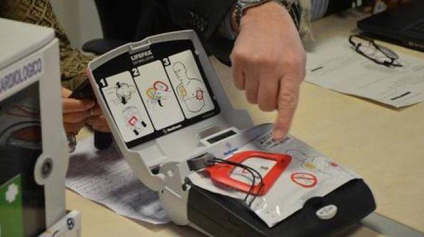 Un defibrillatore (immagine di repertorio, fonte Ansa)