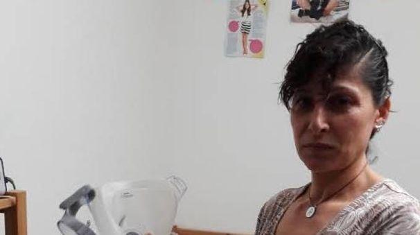 Mamma Resi è venuta in Italia per curare il figlio nel 2009: ha una lesione al midollo spinale ed è stato nuovamente operato