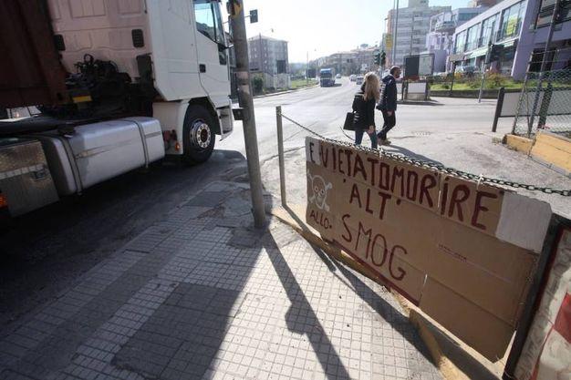 La protesta dei cittadini (foto Antic)