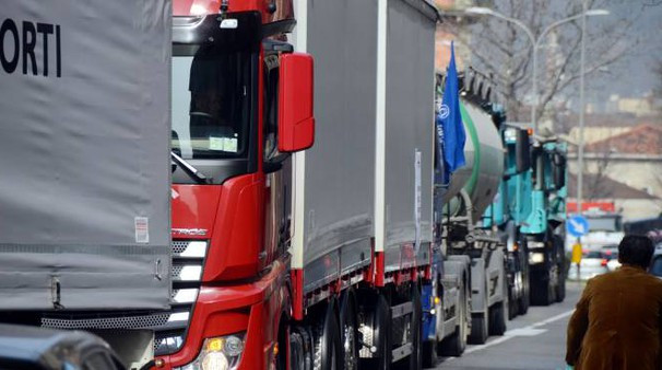 La protesta dei camion a Lecco (Cardini)