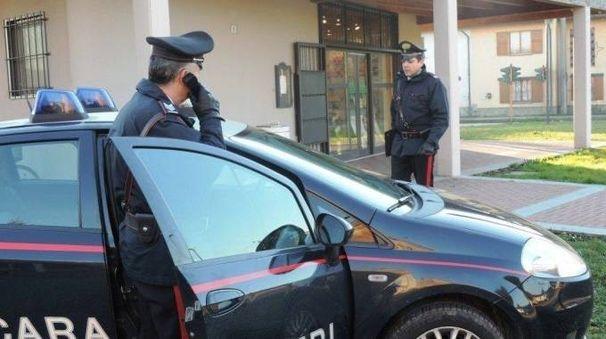 I carabinieri durante una pattuglia