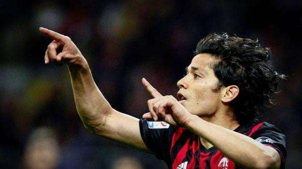 Mati Fernandez esulta per il gol