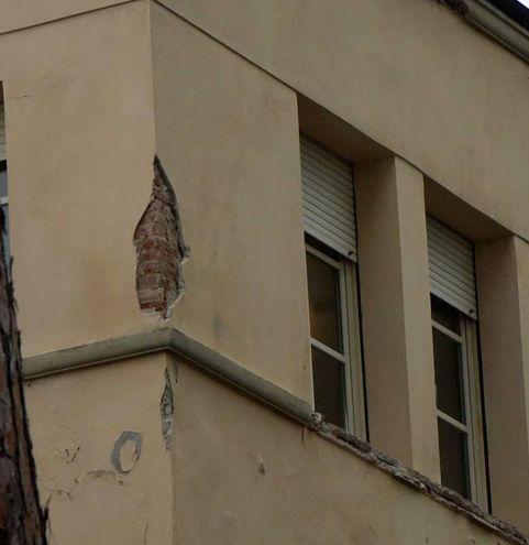 Il sopralluogo al collegio (foto Umicini)