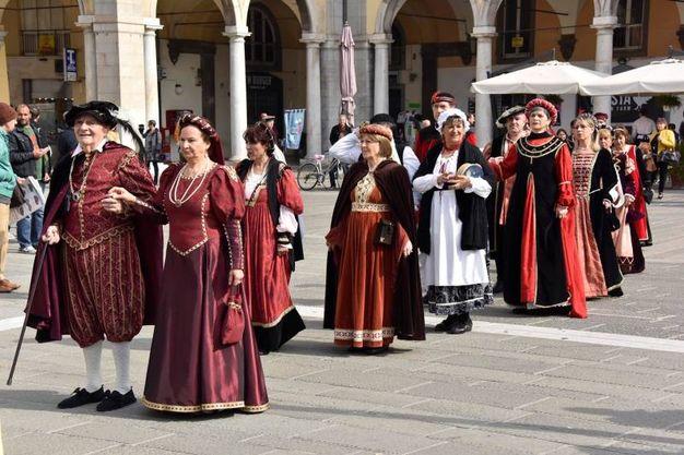 La rievocazione storica per i 411 anni di Livorno elevata al rango di città (Foto Novi)