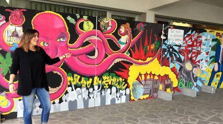 L'opera è stata esposta davanti al palazzo del turismo Primo Grassi