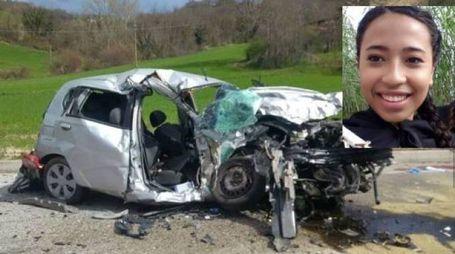 Incidente a Camerino, l'auto distrutta. Nello schianto è morta Francesca Neri de Mesquita