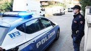 Tentato omicidio a Marina Centro, la polizia sul posto (foto Migliorini Adriapress)