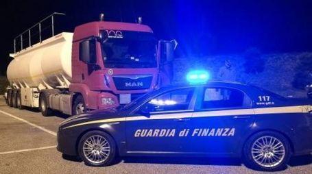 Ravenna, scoperto deposito clandestino di carburante al porto
