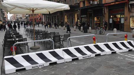 I new jersey in via Rizzoli a protezione dei T-Days (Schicchi)