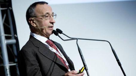 L'economista Giacomo Vaciago (Ansa)