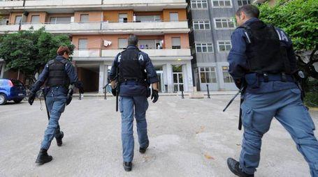 Polizia all'Hotel House (foto Calavita)