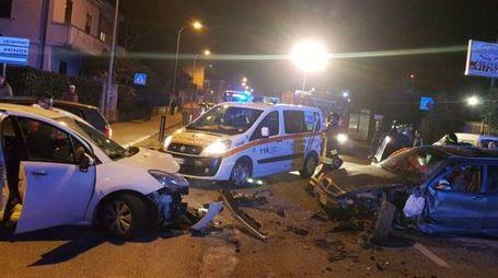 Falconara, scontro frontale tra due auto in via Flaminia