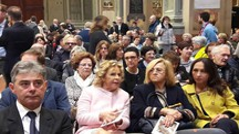 Duomo di Carpi, autorità e fedeli in chiesa