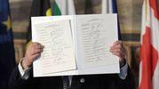 La dichiarazione di Roma firmata dai leader dei 27 paesi Ue (Afp)