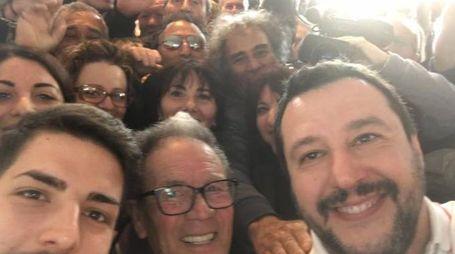 Salvini, selfie da Lampedusa (Facebook)