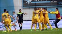 Esultanza giocatori Frosinone dopo il gol siglato da Daniel Ciofani