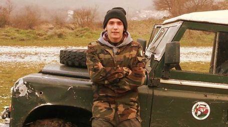 Emanuele Morganti, 20 anni, in una foto tratta dal profilo Facebook (Ansa)