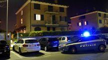 L'intervento della polizia in via della Siepe (foto Bp)
