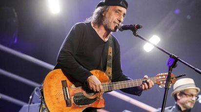 Fausto Mesolella, chitarrista degli Avion Travel (Ansa)