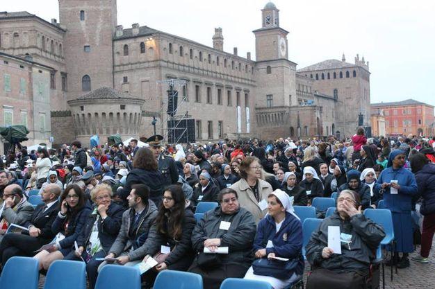 La piazza (Foto Fiocchi)