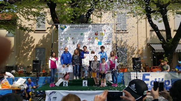 Il podio maschile con il vincitore Andrea Rota