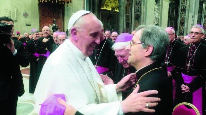 Papa Bergoglio con monsignor Regattieri