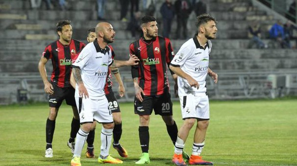 Lucchese-Siena 3-2, bianconeri ancora ko (Alcide)