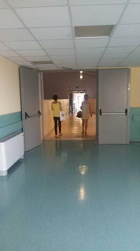 L'interno dell'ospedale 'Carlo Urbani' di Jesi (foto Ferreri)