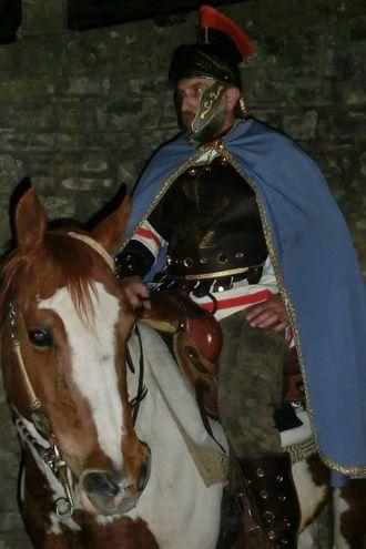 Un figurante in costume da centurione romano (foto Cappelli)