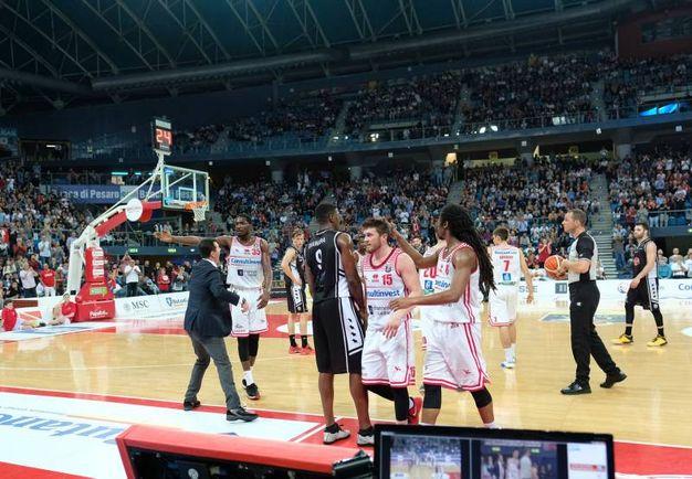 I giocatori festeggiano l'importante vittoria (FotoPrint)