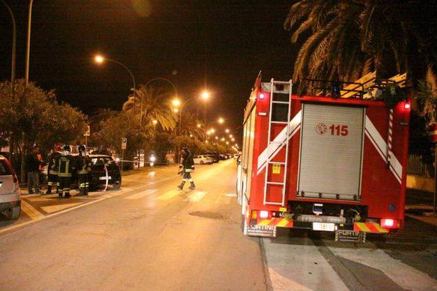 I vigili del fuoco (foto Sgattoni)