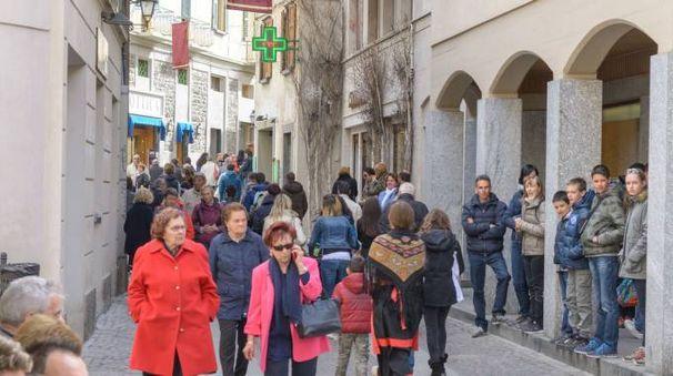 Ospiti a passeggio nel giorno di Pasqua (National Press)