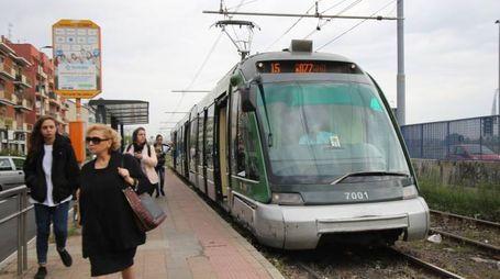 Fermi i lavori al tram 15