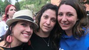 Tre ragazze del paese (foto Cappelli)