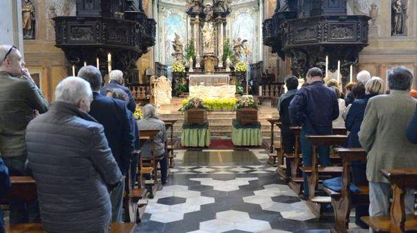 I funerali nella basilica di San Vittore (Newpress)