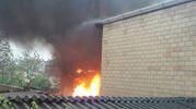 Le fiamme hanno intaccato piano terra e il primo piano (foto Zeppilli)