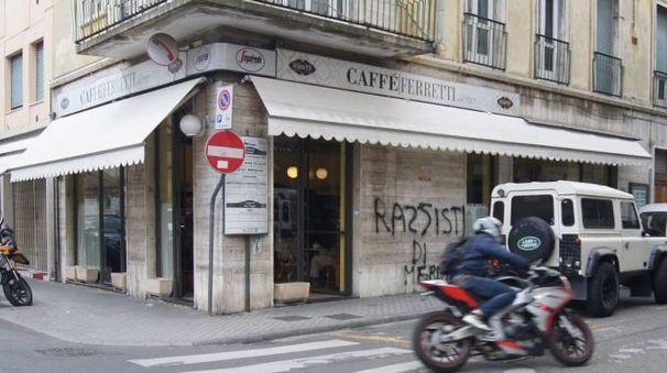 Preso di mira il muro del Bar Ferretti