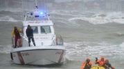 Rimini, i vigili del fuoco cercano i dispersi in mare (Foto Migliorini)