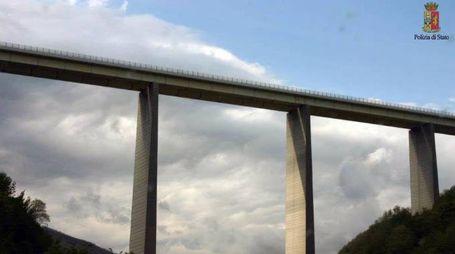 Il viadotto Rio verde da dove si è lanciato il jumper