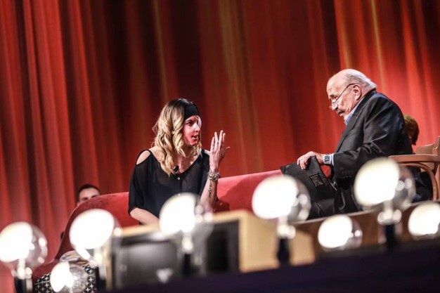 Gessica durante la prima puntata del nuovo ciclo del Maurizio Costanzo Show, in onda su Canale 5 (foto LaPresse)
