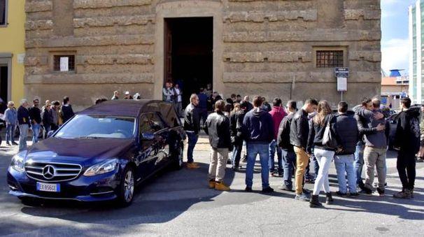 Il funerale di Mauro Lai