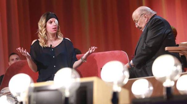 Gessica Notaro in tv da Maurizio Costanzo (Lapresse)