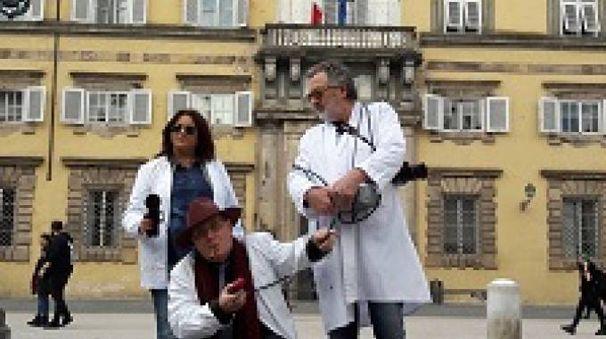 """Il gruppo di """"acchiappafantasmi"""" a Lucca"""